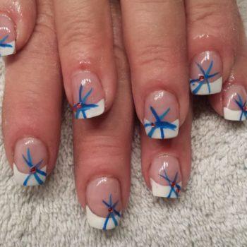Gelnägel, Acrylnägel, Blau. Fotograf: Nadja Maisl Nail Styling / Nageldesign: Nadja Maisl   Entire Beauty, 2015, Salzburg