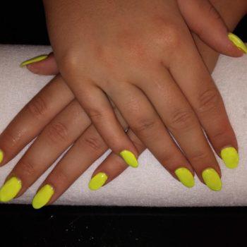 Gelnägel, Acrylnägel, neon, neongelb, yellow, Fotograf: Nadja Maisl Nail Styling: Nadja Maisl | Entire Beauty