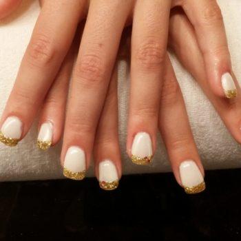 Gelnägel, Acrylnägel, Weiß Gold. Fotograf: Nadja Maisl Nail Styling / Nageldesign: Nadja Maisl | Entire Beauty, 2015, Salzburg