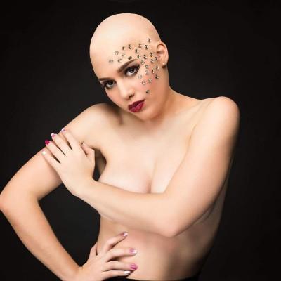 Haarlos Shooting. Model: Sarah Baumgartner Visa: Nadja Maisl