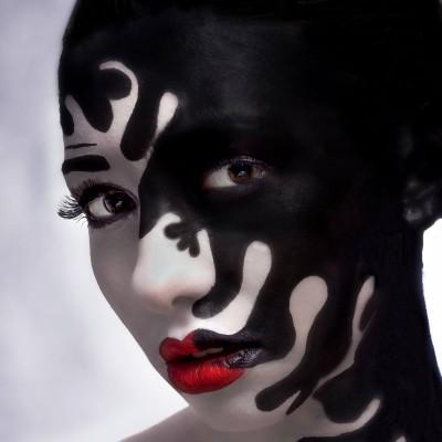 Bodypaint Airbrush Shooting. Model: Carmen Henzinger Fotograf: Wolfgang Huemer Visa: Nadja Maisl | Entire Beauty