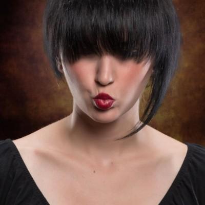 Frauen Kurzhaarschnitt. Model: Nadja Maisl Fotograf: Richard Schnabler, Visagistin und Stylistin: Nadja Maisl | Entire Beauty
